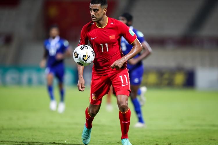 阿兰:代表中国国家队踢世预赛如同做梦 我们入籍球员都准备好了