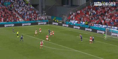 第1次射门创造3大历史,球员拒绝庆祝,球迷尽情狂欢