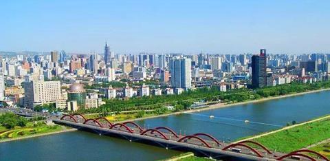 建设国家高速铁路枢纽中心和国际化大都市的山西省城市跨越