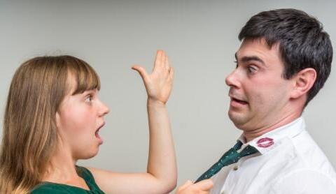 女人爱上一个有家室的男人,究竟在贪图什么?