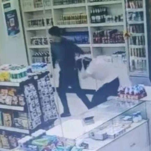 呼市入室抢劫案犯罪嫌疑人在达旗落网!