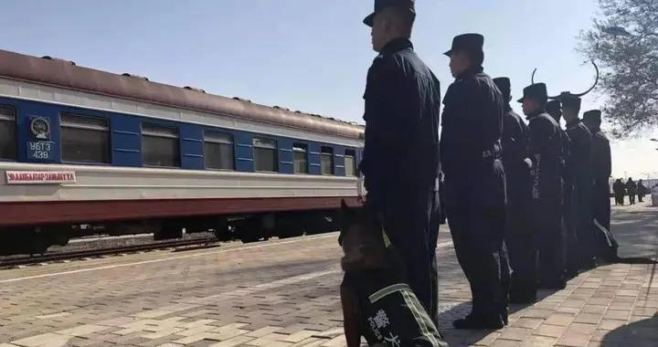 蒙古国专列将犯罪嫌疑人移交我国 无锡检察机关办理的这起案件300人被骗亿元