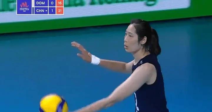 中国女排太无解,两局狂胜16分,3-0横扫无悬念