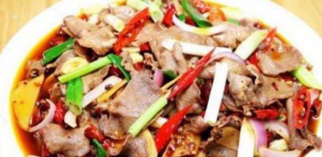 美食推荐:番茄桂鱼,爆炒牛肉,豆角炒肉,青椒拆骨肉的做法