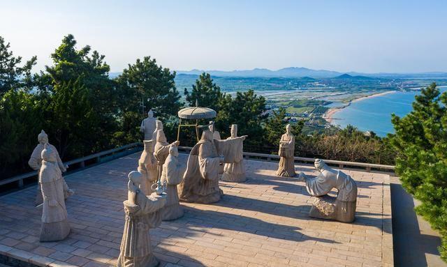 青岛有个小众景点,相传是秦始皇遣徐福东渡之处,依山傍海景色美
