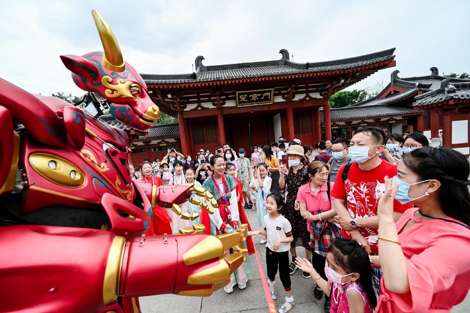 传统艺术是中华文化的精髓,而科技是实现艺术的动力源泉……