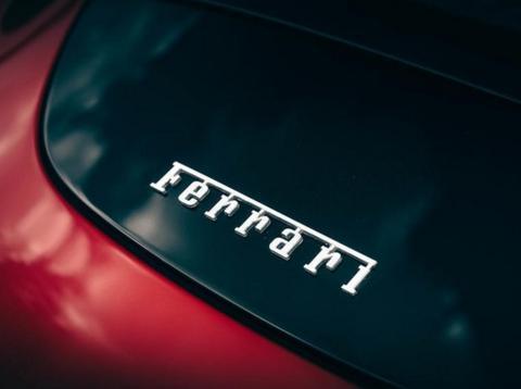 法拉利加快电气化节奏,将推首款SUV车型,提供插混系统