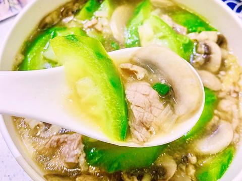 靓汤推荐:丝瓜蘑菇瘦肉汤,紫菜虾滑蛋丝汤,西兰花豆腐鸡蛋汤
