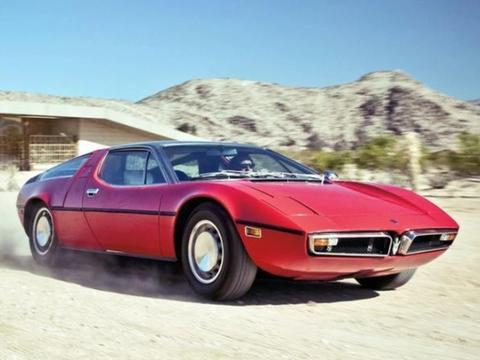 玛莎拉蒂首款中置引擎超跑——Bora,堪称当时的巅峰之作
