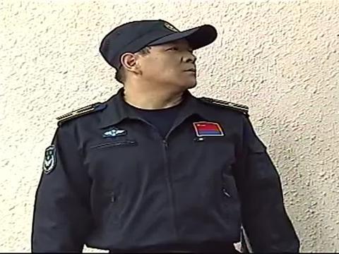 大学生士兵2:王中磊找中队长,询问辞职信的状况,情况不容乐观