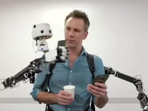 """世界首款""""儿童机器人"""",将承担陪伴老人的角色,外形五官太逼真"""
