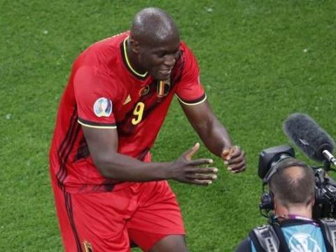 卢卡库梅开二度,比利时队首轮欧洲杯比赛惊喜连连