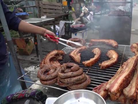 越南街头美食,烤至两面金黄,隔着屏幕都要流口水了!