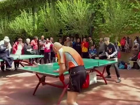 前乒乓球国家队员被公园大爷打惨,果然高手在民间