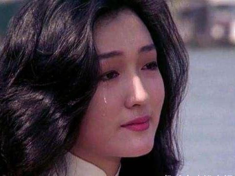 49岁甄楚倩为何超琼男闺蜜庆生,近照气质全无,怀孕时遭富商抛弃