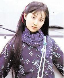 她是83版红楼梦中林黛玉的扮演者——陈晓旭:婚姻坎坷,因病出家