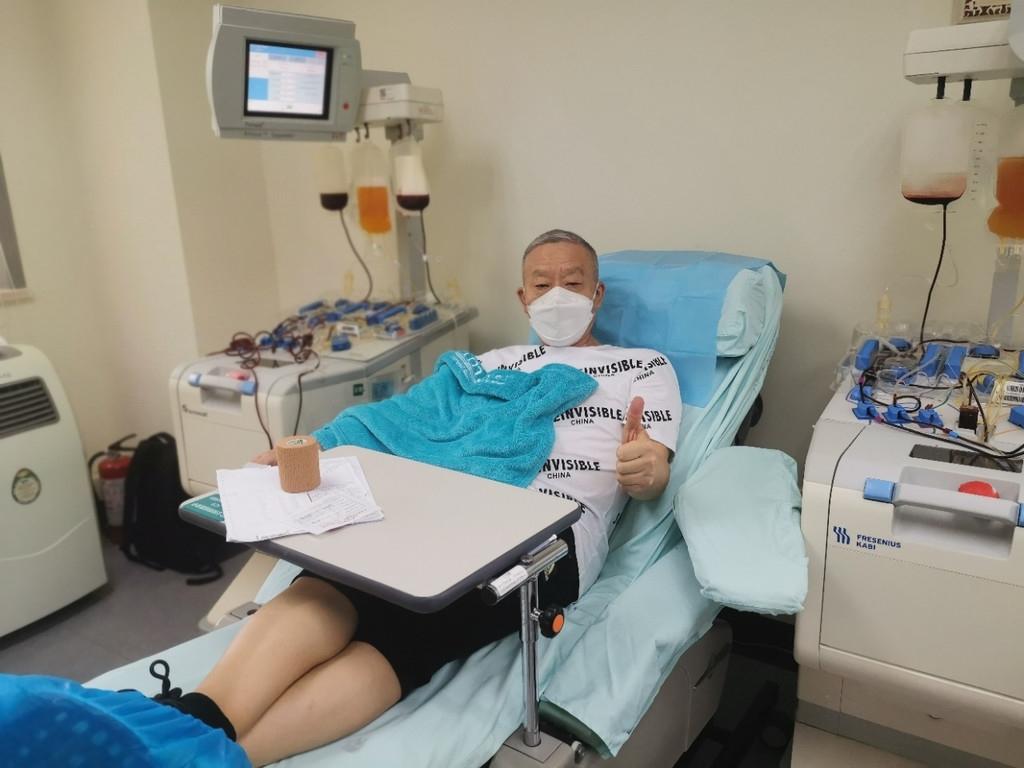 """50后""""热血老爹""""王小勇:23年献血上万毫升,他是四川首批无偿献血宣传大使"""