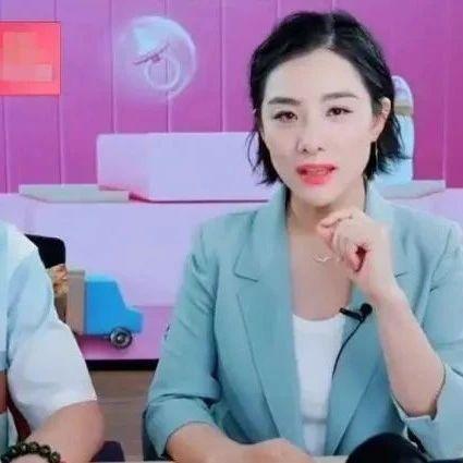 """奥运冠军刘璇不许三岁儿子吃盐的""""铁血教育""""后,如今""""重女轻男""""言论又惹热议!你认同璇美人的育儿观吗?"""