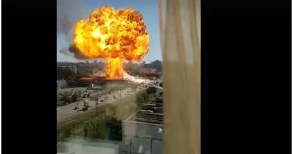 西伯利亚一加油站爆炸,天空惊现蘑菇云