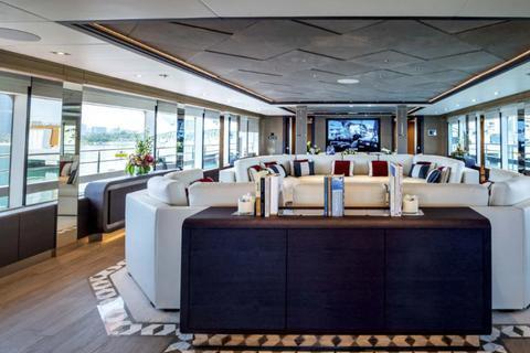 全球最大复合材料超级游艇Majesty 175内饰曝光
