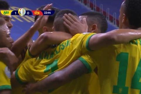 巴西3-0!内马尔独造3球吐舌庆祝!对手一脸懵逼,队中12人感染