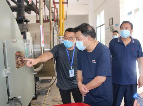 过节不忘安全 咸宁通山县市场监管局落实特种设备安检工作