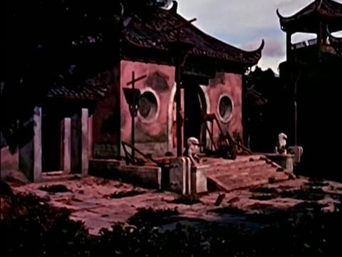 1960上映,绝版鬼片,当年吓坏了不少人,如今再看依旧吓人!