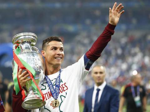 C罗争议举动惹怒欧洲杯金主 欧足联正在酝酿大罚单?