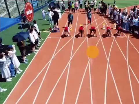 大学生百米快过无人机 无人机跑不过只能拉高:给点面子谢谢