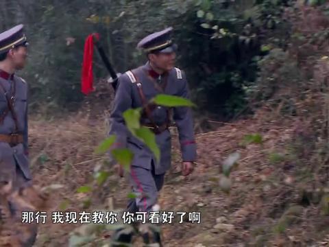 刘伯承:盟军反目,刘伯承飞石神功有奇效,从此一战成名