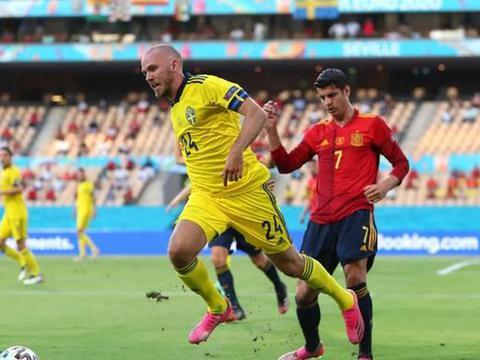 西班牙闷平瑞典,中超后卫低级失误,莫拉塔踢飞单刀