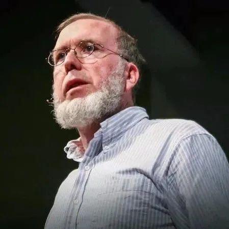 凯文•凯利最精彩演讲:我们必须要相信那些不可能的事情