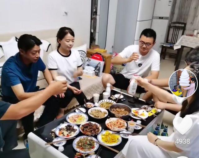 郭威29岁生日:一家人包饺子,奇奇悦悦闹情绪,许敏巧妙化解矛盾