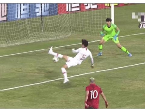超级大失误助攻叙利亚进球,国足1-1被追平