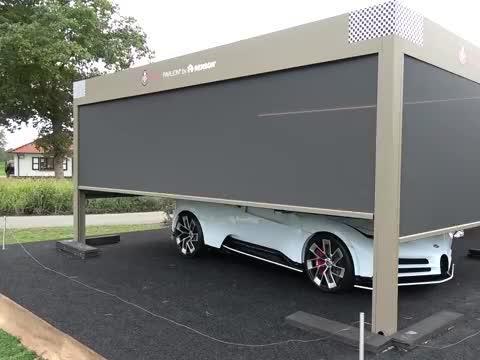 价值 900 万美元的布加迪被装载到拖车上去Zoute 大奖赛