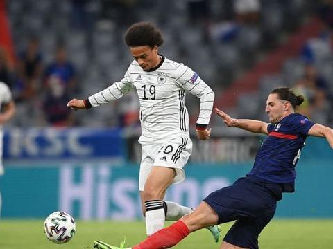 博格巴鬼魅外脚背传球助法国打进一球,德国因此收获三项尴尬纪录