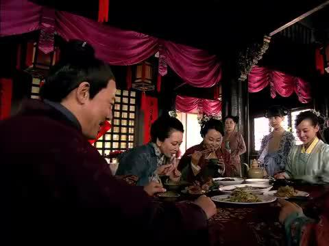 张素素问父亲粮仓的事,想让岳家军来宜兴驻兵