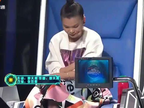 11岁女孩台风超稳,一曲庞龙的歌,让薛之谦曹格称赞连连丨新声代