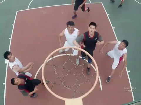 黄子韬篮球赛求放水,蒋劲夫的操作亮了,裁判:假装没看到