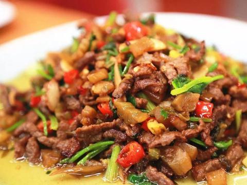 独家私房菜:香菜炒牛肉,嫩滑爽口,香气扑鼻