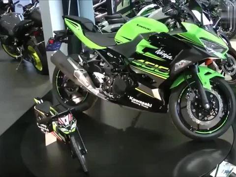 400cc绿色车型, 川崎忍者400摩托, 标配ABS版本开了它跑几圈!