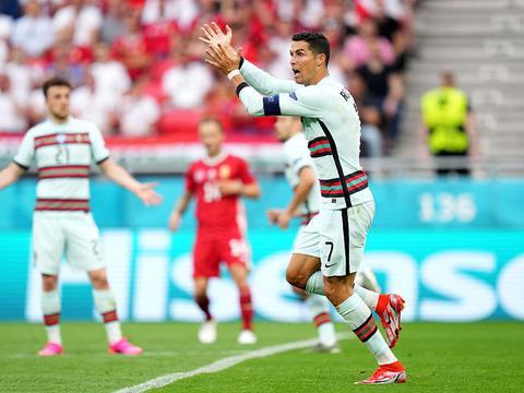C罗老当益壮,葡萄牙新人造3球,他横空出世给了我们惊喜
