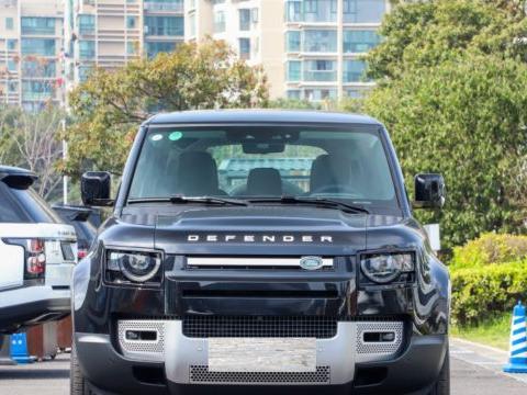 又一旗舰SUV,最大涉水深度1.5米,比大G硬气,3.0TV6+三把锁