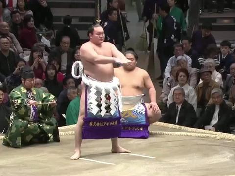 为什么日本有很多漂亮女孩,都争相嫁给肥胖的相扑运动员?