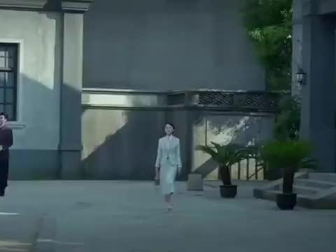 麻雀,徐碧城告知唐山海自己被窃听,唐山海被吓得差点出车祸!