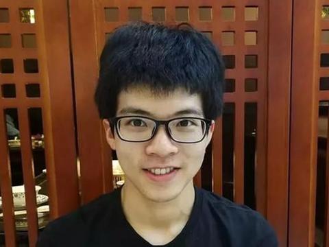 714分进清华姚班,重庆高考状元刘昶:我从不熬夜,3个习惯很重要