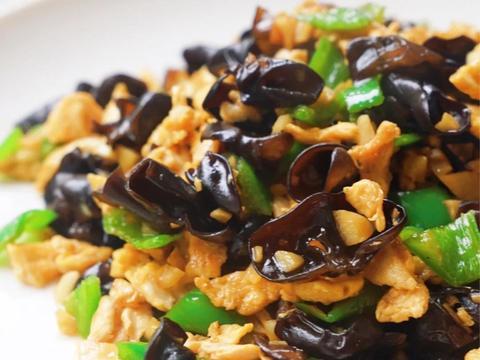 美食家常菜推荐:农家小炒肉,黑木耳炒鸡蛋青椒,爆炒香辣虾仁