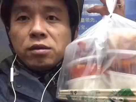 新会员顾客花1.2元点四个炒菜两个米饭,这也太划算了