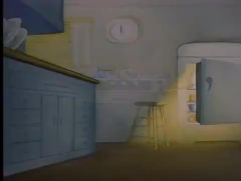 猫和老鼠:杰瑞偷美食被发现!汤姆随意拿捏,杰瑞背上磊高塔