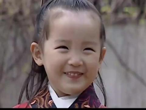 大明王朝:年幼万历太可爱了,看冯大伴蹴鞠,高兴的眼睛都笑眯了